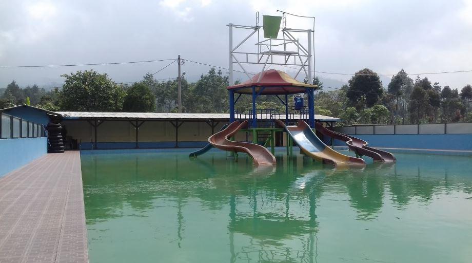 kolam renang kawah kamojang