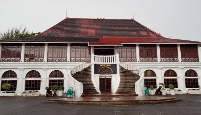 museum sultan mahmud badaruddin 2