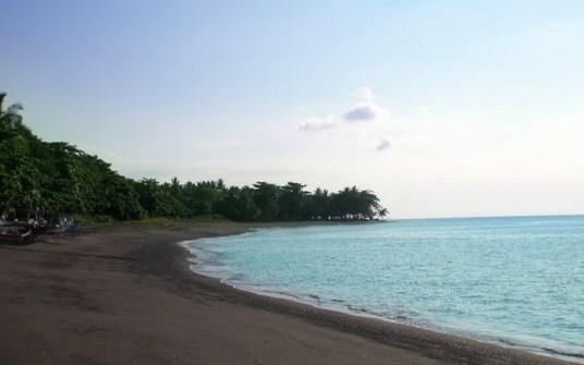 pantai lekok